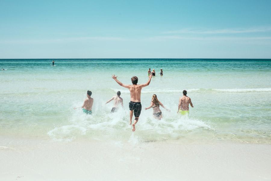夏と言えば女遊び!出会い系で2017年の夏を最高のオフパコ舞台にする方法